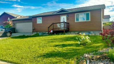 Belle Fourche Single Family Home For Sale: 2102 Conifer Loop