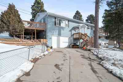 Single Family Home Under Contract-Dont Show: 830 Pavilion