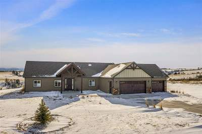 Belle Fourche Single Family Home For Sale: 11079 Wagon Box Drive