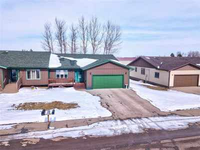 Belle Fourche Single Family Home Financing Contingency: 407 Summit