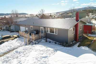 Sturgis Single Family Home Uc-Contingency-Take Bkups: 1408 Whitetail