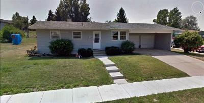Belle Fourche Single Family Home Uc-Contingency-Take Bkups: 800 Stanley St