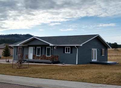 Custer Single Family Home For Sale: 409 Agate Ln