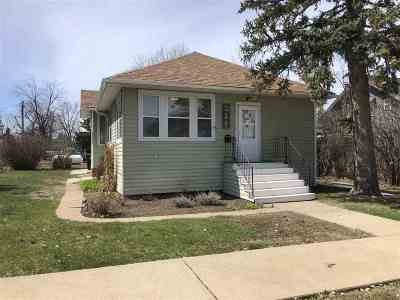 Newell Single Family Home For Sale: 215 S Elmira