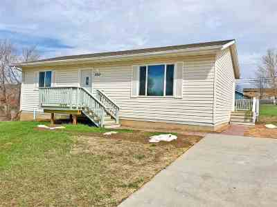 Single Family Home Uc-Contingency-Take Bkups: 220 Doolittle