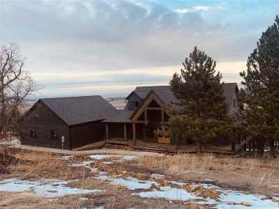 Spearfish Single Family Home Under Contract-Dont Show: 20067 Ridgefield Loop