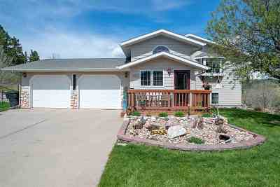 Sturgis SD Single Family Home Uc-Contingency-Take Bkups: $299,900