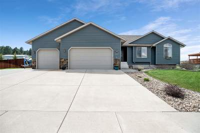 Sturgis SD Single Family Home Uc-Contingency-Take Bkups: $345,000