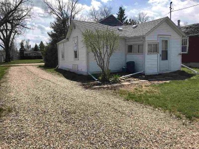 Newell Single Family Home Uc-Contingency-Take Bkups: 210 6th
