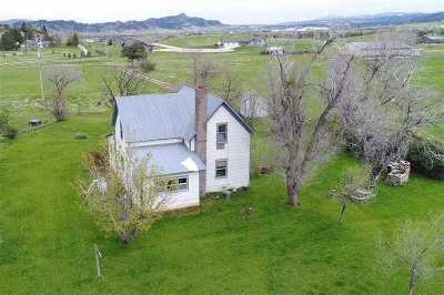 Spearfish Single Family Home For Sale: 2515 Sapphire
