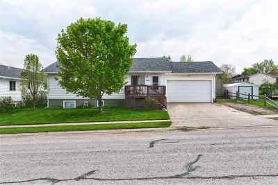 Spearfish Single Family Home Uc-Contingency-Take Bkups: 3111 8th Avenue