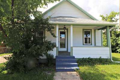 Single Family Home For Sale: 1129 Dilger Ave.