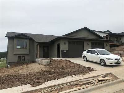 Sturgis SD Single Family Home Under Contract-Dont Show: $253,500