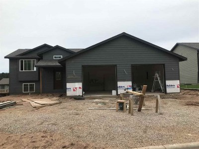 Sturgis SD Single Family Home Under Contract-Dont Show: $237,350