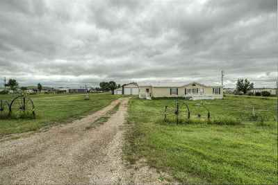 Belle Fourche SD Single Family Home Uc-Contingency-Take Bkups: $185,000