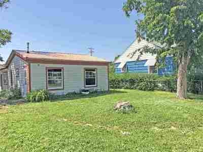 Single Family Home For Sale: 727 Haines