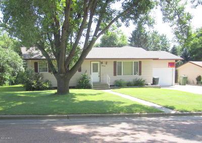 Watertown Single Family Home For Sale: 1814 B Avenue NE