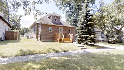 Watertown Single Family Home For Sale: 216 2nd Avenue SW