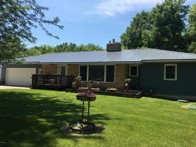 Clear Lake Single Family Home For Sale: 18215 Sd 15 Highway