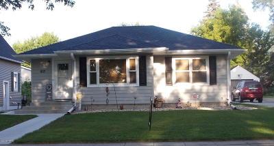 Watertown Single Family Home For Sale: 813 3rd Street NE