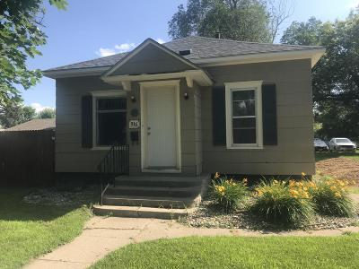 Watertown Single Family Home For Sale: 916 2nd Avenue SE