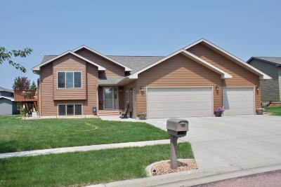 Watertown Single Family Home For Sale: 1015 Oak Drive NE