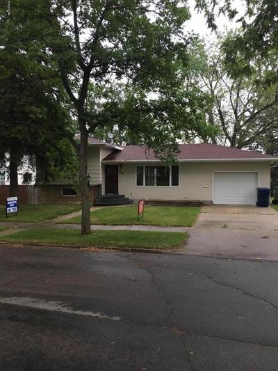 Watertown Single Family Home For Sale: 818 3rd Street NE