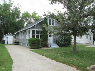 Watertown Single Family Home For Sale: 321 8th Street NE