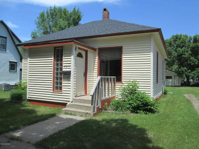 Watertown Single Family Home For Sale: 323 3rd Avenue SW
