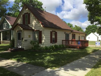 Watertown Single Family Home For Sale: 401 1st Street SW