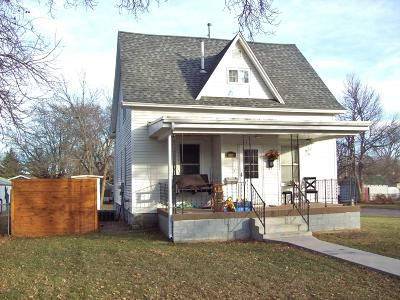 Single Family Home For Sale: 800 3rd Street NE