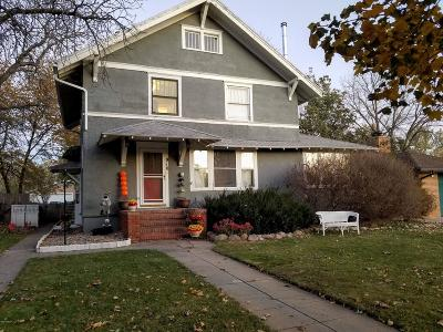 Single Family Home For Sale: 910 N Maple Street