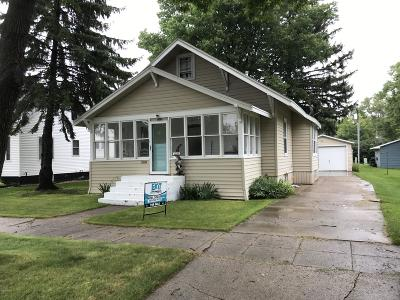 Single Family Home For Sale: 606 1st Street SW