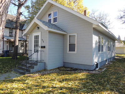Watertown Single Family Home For Sale: 416 S Maple Street