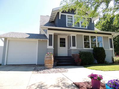 Watertown Single Family Home For Sale: 24 4th Avenue SW