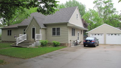 Milbank Single Family Home For Sale: 511 S 5th Street