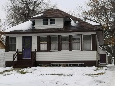 Milbank Single Family Home For Sale: 505 S Viola Street
