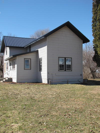Milbank Single Family Home For Sale: 48365 152nd Street