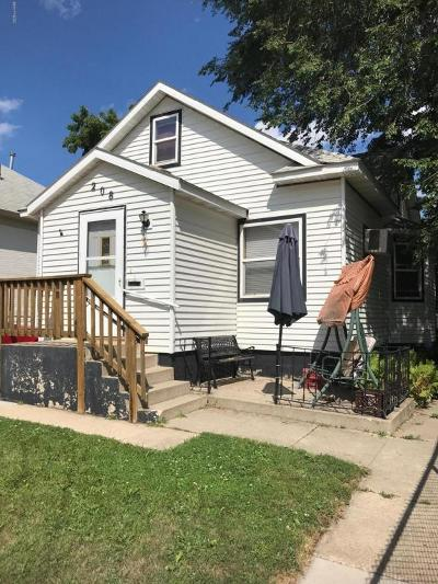 Watertown Single Family Home For Sale: 208 4th Street NE