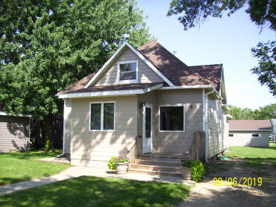 Watertown Single Family Home For Sale: 416 3rd Street SE