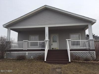 Watertown Single Family Home For Sale: 1508 34th Street SW