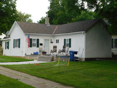 Watertown Single Family Home For Sale: 703 N Broadway Street