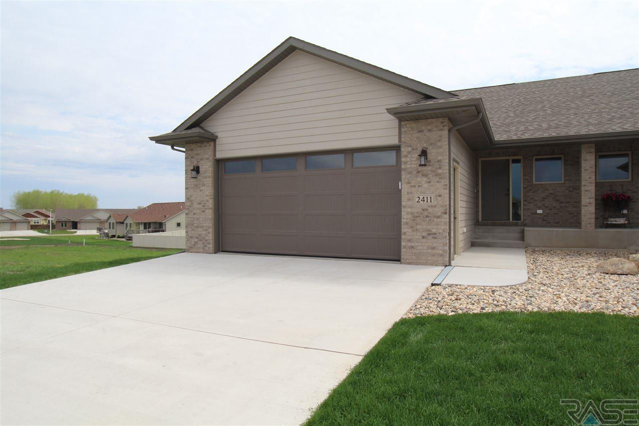 doors s falls sd full dubuque check in of garage temporary ave real sioux back image estate property