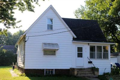 Canton Single Family Home For Sale: 216 N Milwaukee St
