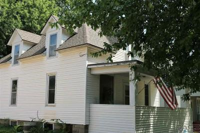Canton SD Single Family Home For Sale: $96,000