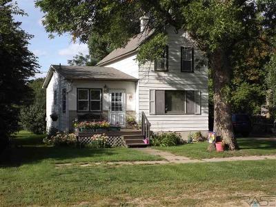 Lennox Single Family Home Active - Contingent Misc: 212 E Rummel Ave