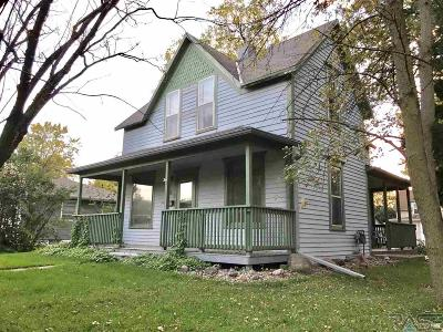 Beresford Single Family Home For Sale: 201 S 6th St