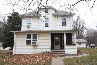Sioux Falls, Harrisburg, Brandon, Tea, Worthington, Lennox, Canton, Hartford, Crooks, Renner, Humboldt Multi Family Home For Sale: 1012 W 6th St