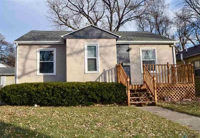 Sioux Falls, Harrisburg, Brandon, Tea, Worthington, Lennox, Canton, Hartford, Crooks, Renner, Humboldt Single Family Home For Sale: 420 S Willow Ave