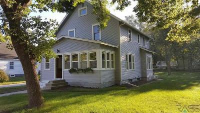Brandon Single Family Home For Sale: 204 S Main Ave